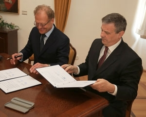Public Statement: Contract for delivery of hydro-mechanic equipment to HE Brežice signed